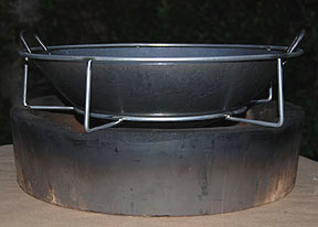 side view of the woo holding 16' wok for large big green egg