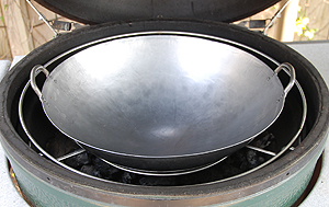 "19"" wok on xl woo's lower ring in xl big green egg"